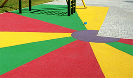 Play King sells and installs Everlast Rubber Mulch, playground safe for kids, durable and environmentally friendly.